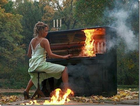 пианиста зажигает